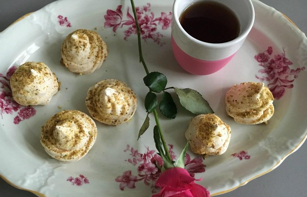 Valentijnsrecept: zoete rozen meringues