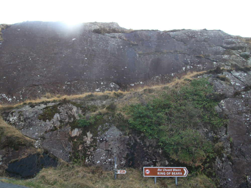 bordje ring of beara met rotswand