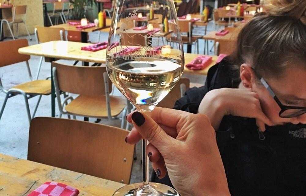 Behind the scenes: een restaurant reviewen met een puber…