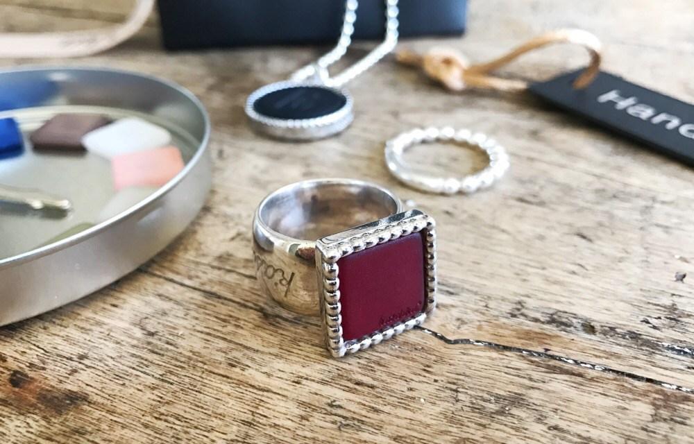 Winnen: k'aschka ring met verwisselbare steen