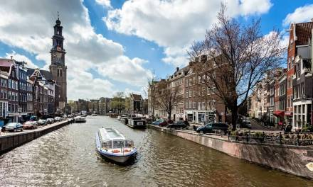 8 tips to travel by public transport in Amsterdam