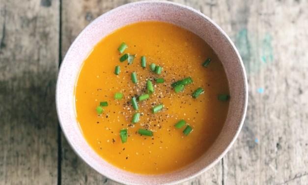 Vegetarische pompoensoep, gemaakt met de Soupmaker