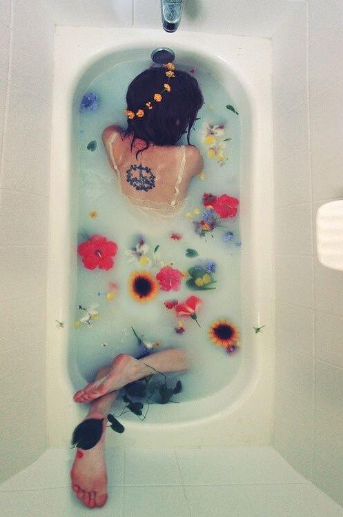 bad met bloemen