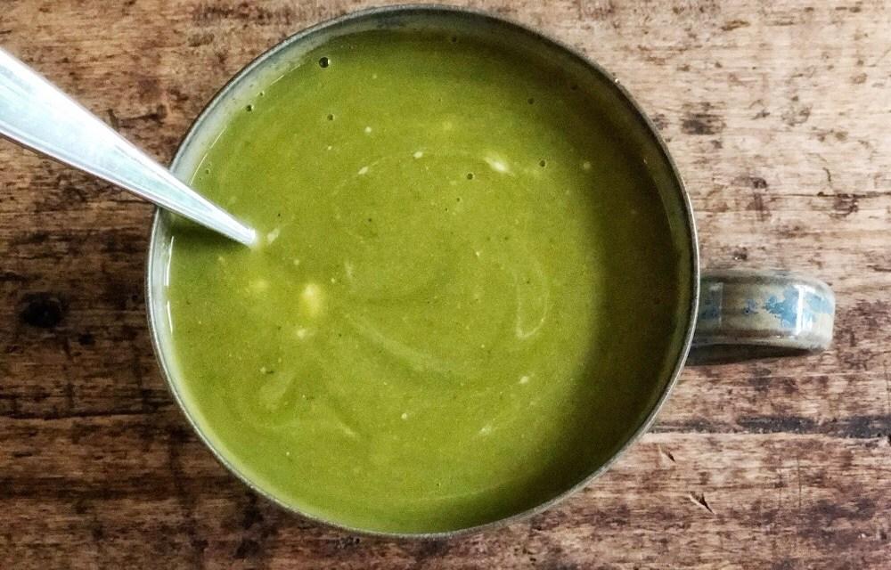 Courgettesoep uit de slowcooker (met broccoli en prei)