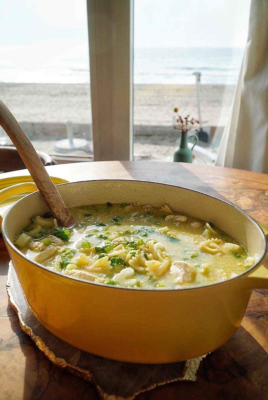 Makkelijk en gezond recept: kippensoep met pasta