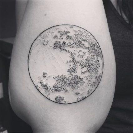 volle maan tatoeage
