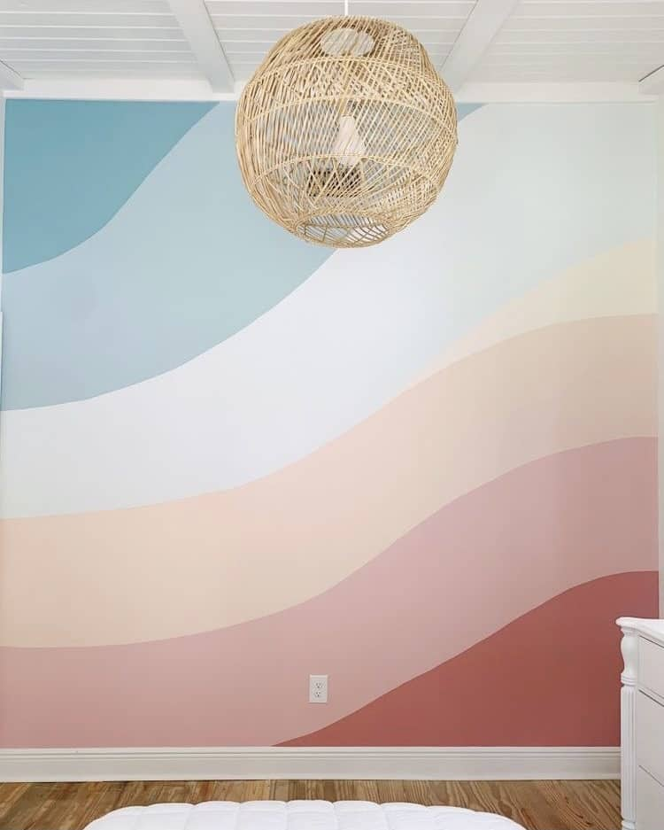 regenboog op muur geschilderd