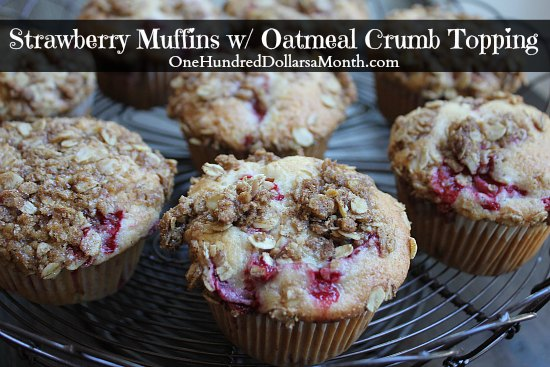 Strawberry Muffins with Oatmeal Crumb Topping