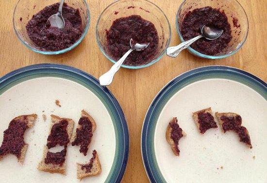 Blueberry Vanilla Chia Seed Jam recipe