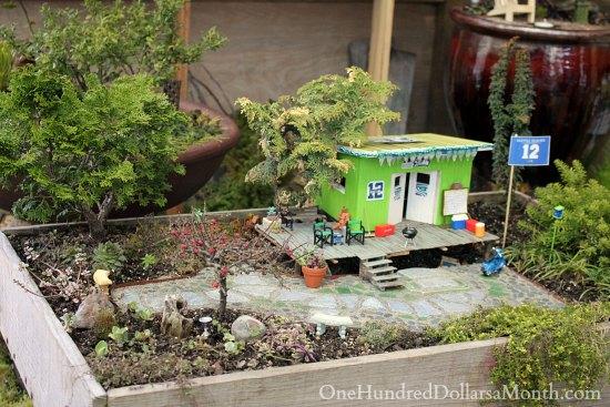12th man miniature garden