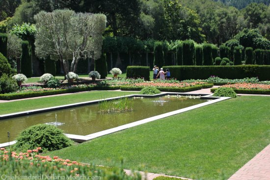 Filoli gardens and mansion tour one hundred dollars a month for Filoli garden pool