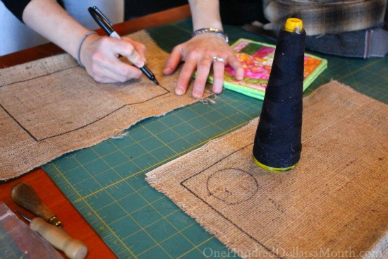 drawing rug hooking patterns on burlap