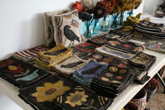 primitive rug hooking designs