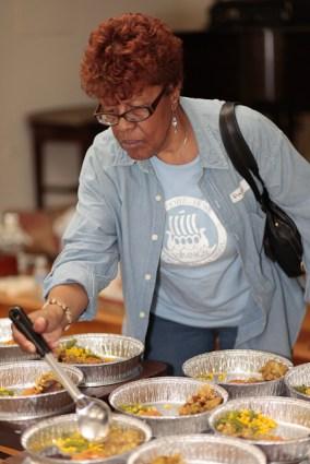 OIF Homeless Feeding 2012 (62 of 78)