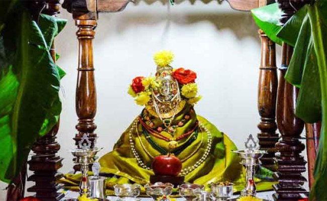 Varalakshmi Vratham 2019 Puja Date And Time Oneindia News