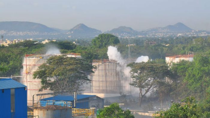 How to recognise a gas leak and what you should do? - Oneindia News