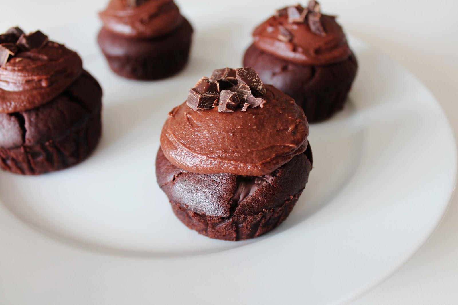 Chokolade Muffins med Smørcreme – Svampede Chokolade Muffins