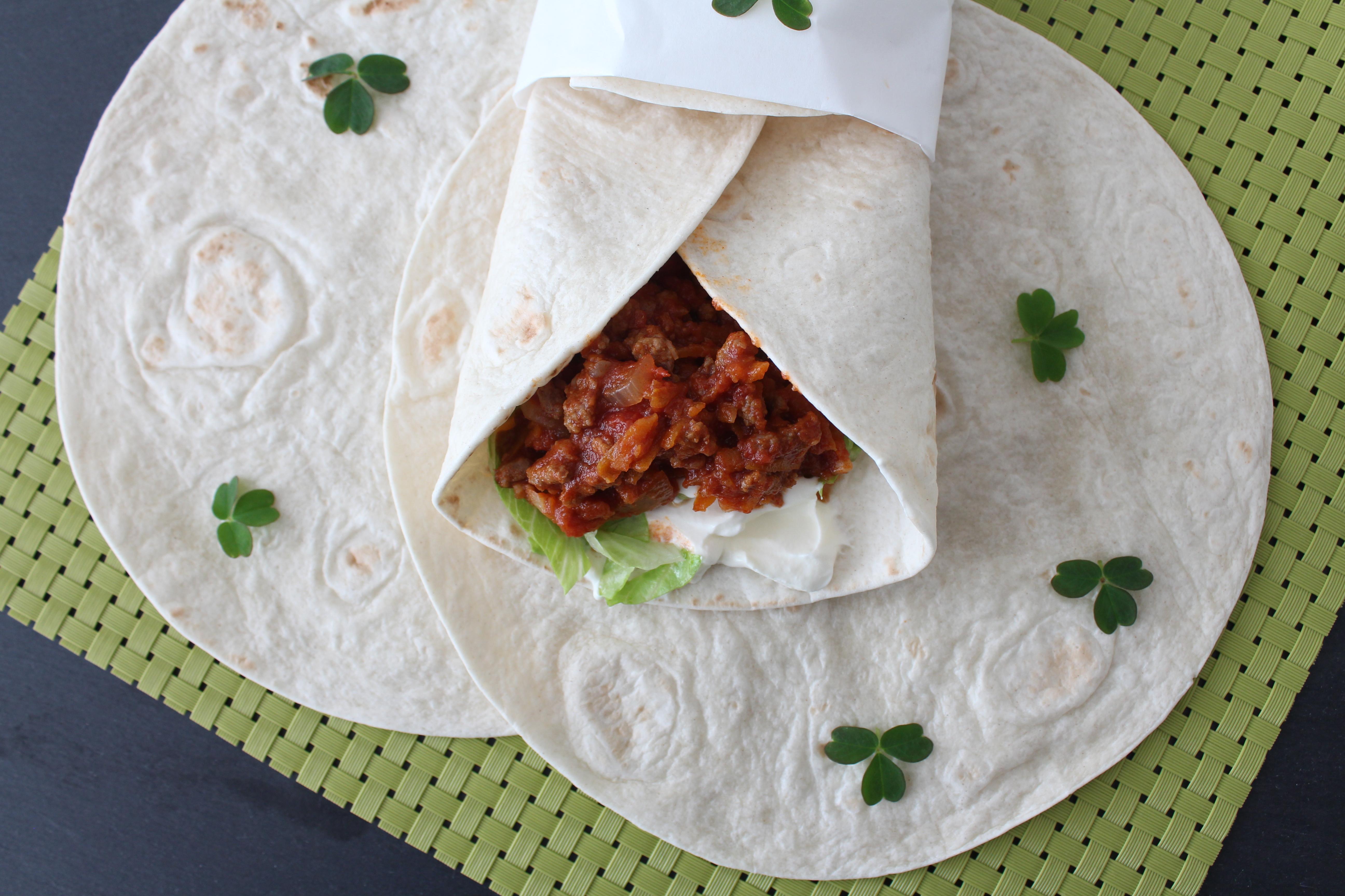 Tortillas Med Spicy Kødsauce