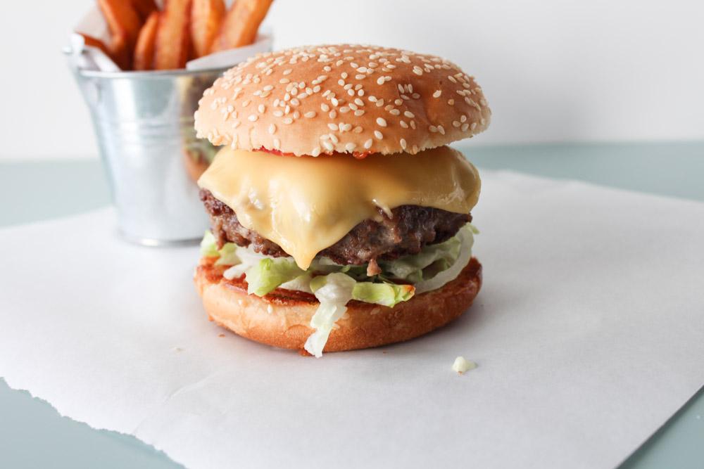Juicy Cheese Burger