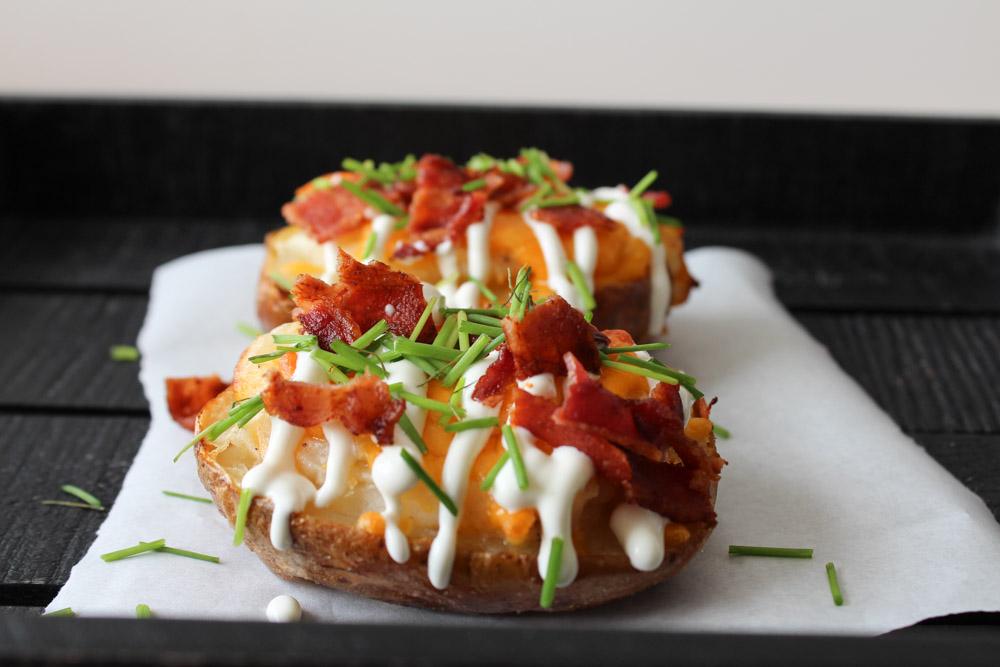 Dobbelt Bagte Kartofler Med Bacon Og Cheddar