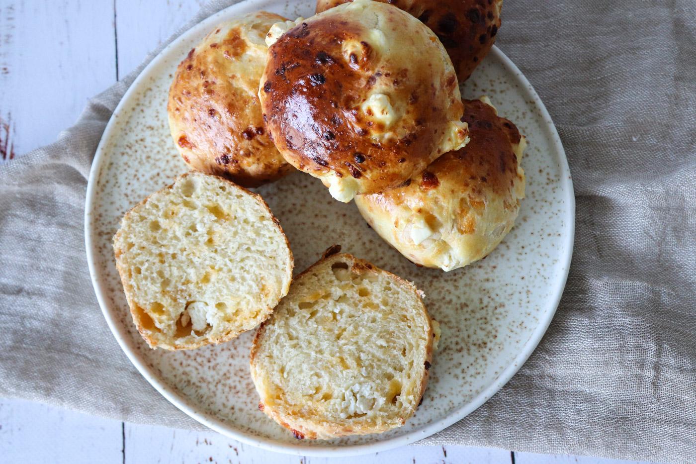 De Bedste Osteboller – Boller Med Cheddar, Mozzarella Og Feta – Perfekt Til Sandwiches