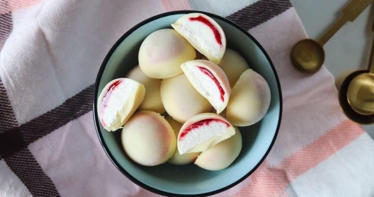 Skønne Jordbærdrømme – Ishapsere Med Hvid Chokolade, Jordbærsirup Og Vaniljeis