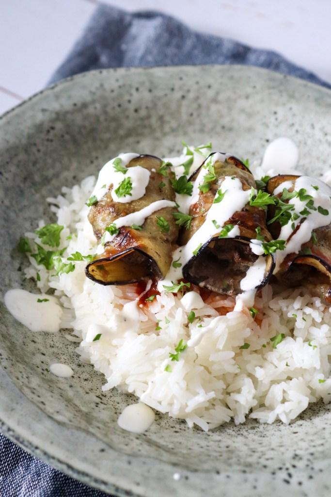 aubergineruller med oksekød