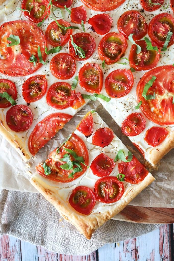 Lækker Butterdejstærte Med Tomater Og Flødeost - Skøn Som Forret
