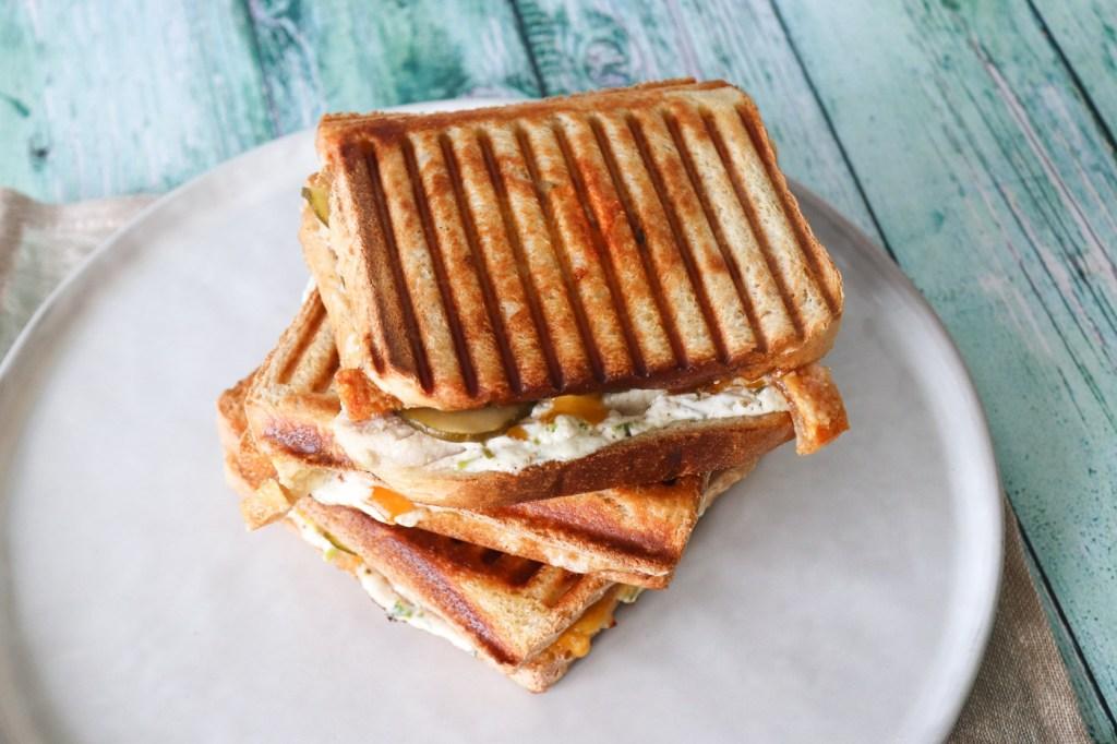 Flæskestegssandwich - Den Bedste Toast Med Flæskesteg