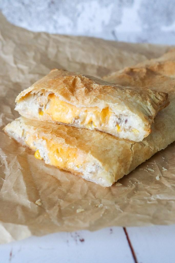 Butterdejsstang Med Cremet Tunsalat Og Ost - Butterdej Med Tun Og Ost