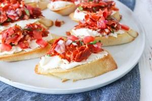 Brødhapsere Med Tomat Og Chorizo - Bruschetta Inspireret Brød