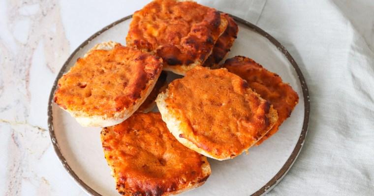 Ostebrød – Ostebrød Med 3 Slags Ost Og Soltørrede Tomater