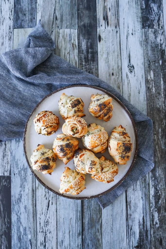 Mini Croissanter Med Cocktailpølser Og Flødeost - Mini Pølsehorn