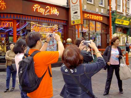 Soho: Chinatown Tourists