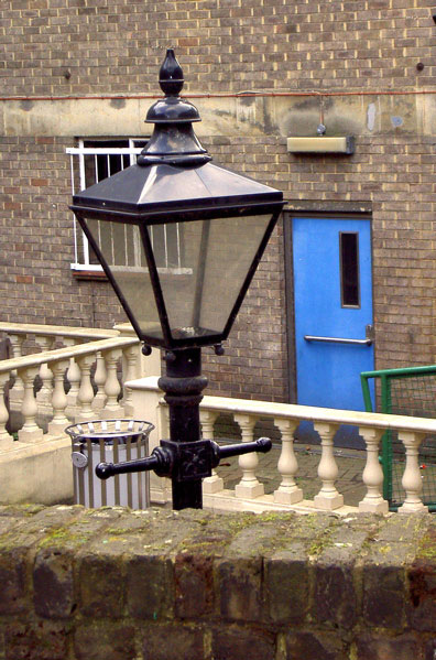 Low level street lamp