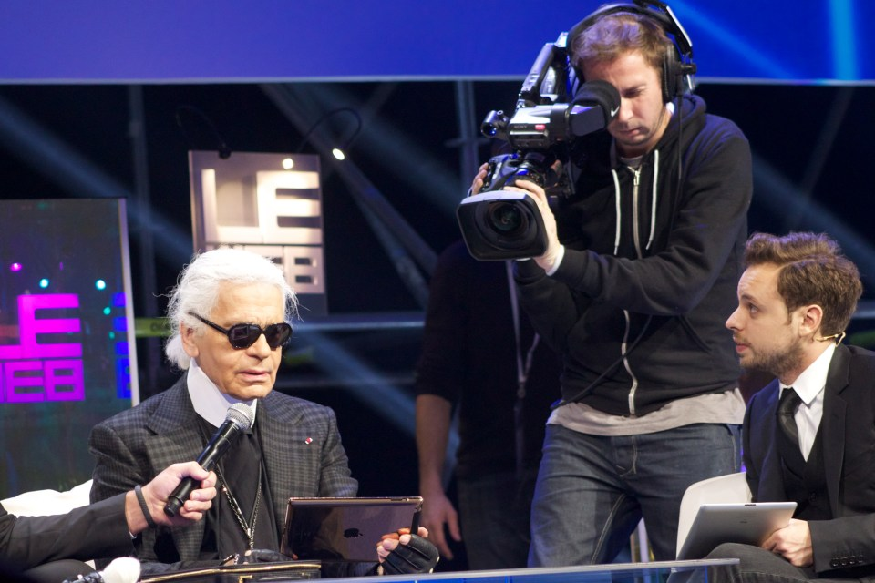 Karl Lagerfeld at work