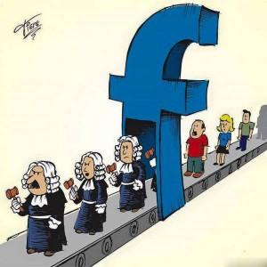 Facebook trasforma tutti in giudice