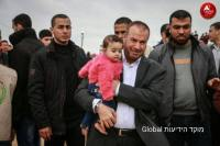 hamas leader with child shield