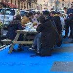 Le panchine dei Genitori Antismog madri di tutti i degradi di Milano