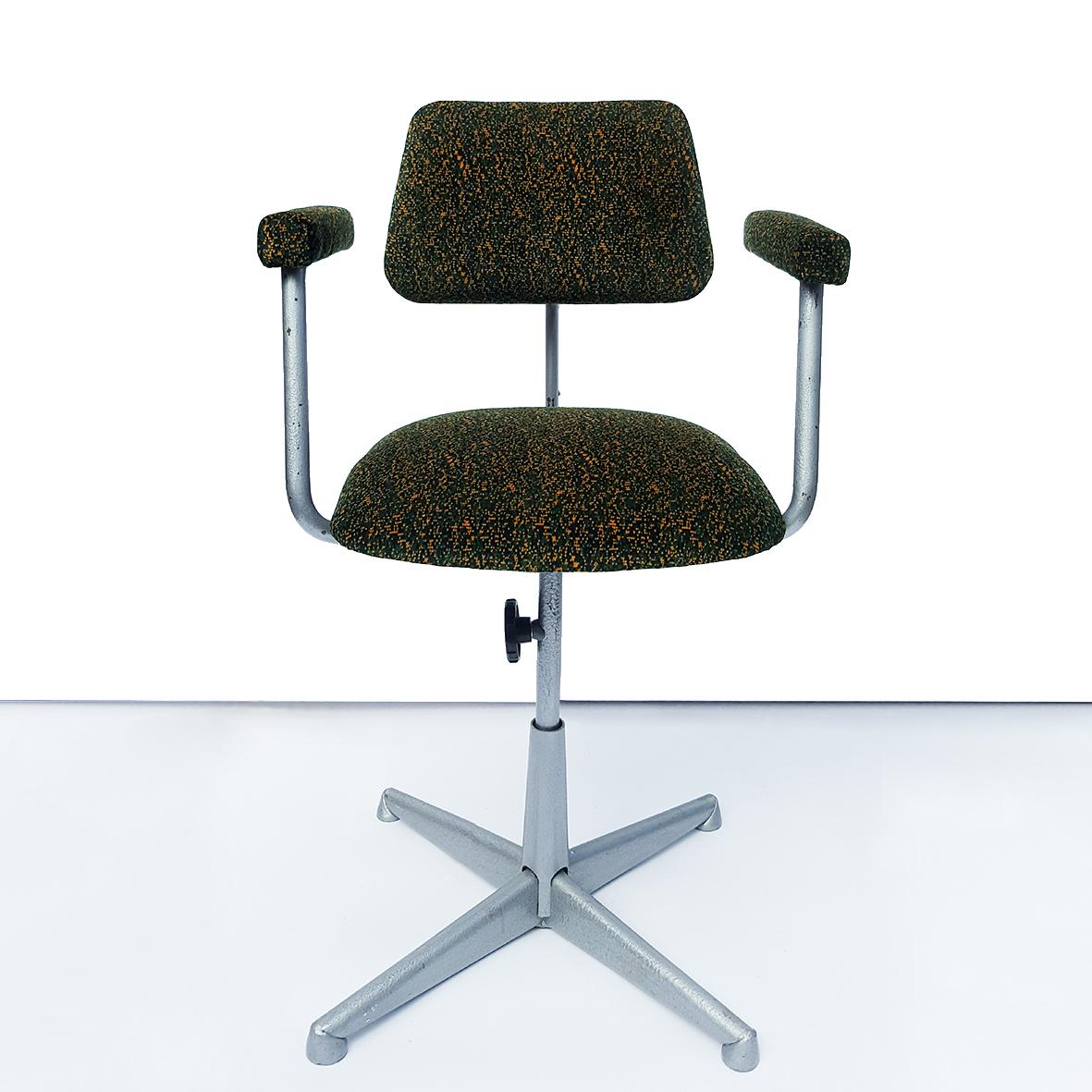 Pixel Camo Chair  One Nine Eight Five