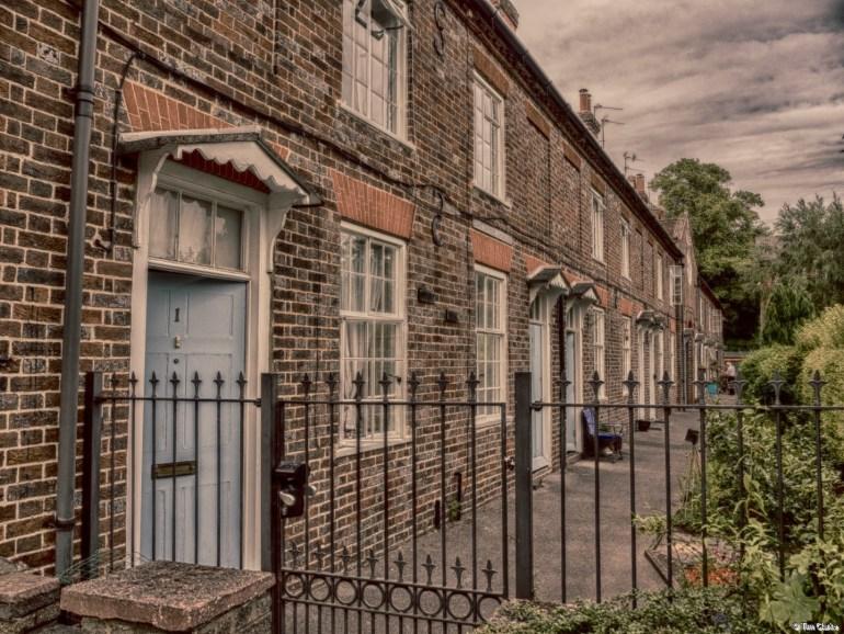 Lower Raymond Almshouses: Historic Terrace.