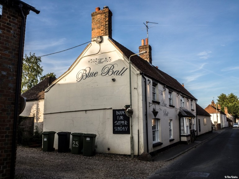 Blue Ball Inn, Kintbury: Lovely Village Pub.