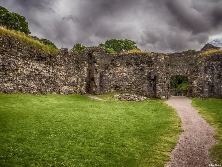 Old Inverlochy Castle: Famous old Castle Ruins.