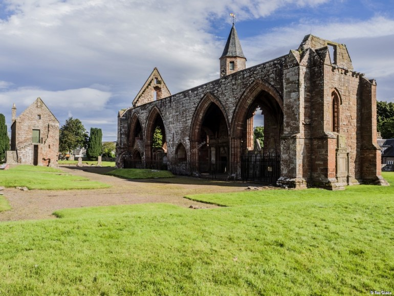 Fortrose Cathedarl: Remains of the 13th Century structure.