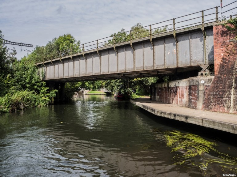 Skew Railway Bridge: Crossing the Kennet & Avon Canal to the east of Newbury.