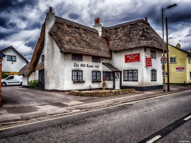 The Old Lamb Hotel, Theale: C15th Thatched Building.