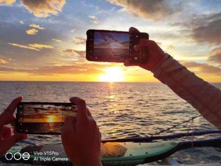 Vivo V15 Pro Travel Essentials 3