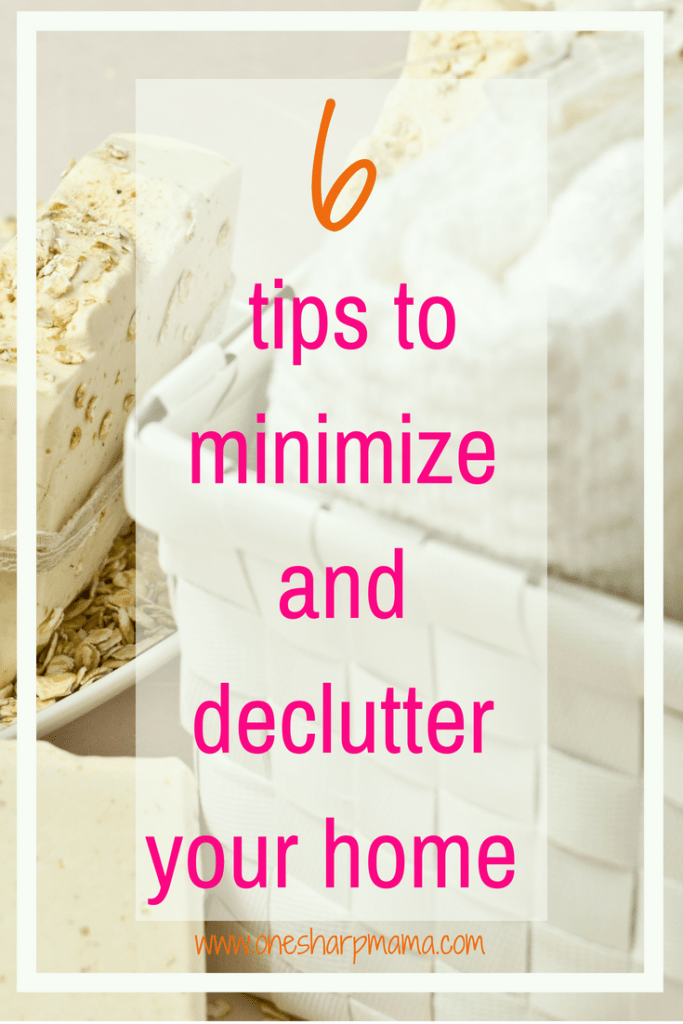 Looking to minimize? Need to learn how to declutter your house in one day? Check out these minimizing and decluttering tips to make your house less cluttered and more inviting. #organizingtips #declutter #minimalist
