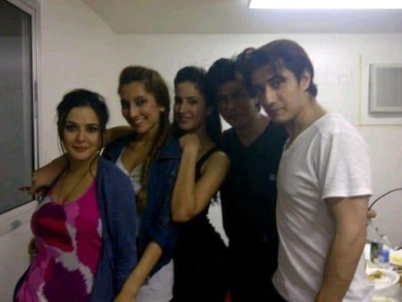 Ali Zafar, Katrina Kaif, Shah Rukh Khan, Anusha Dandekar and Preity Zinta in Muscat