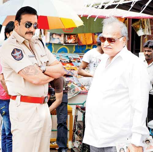 Sanjay Dutt on the Sets of Policegiri